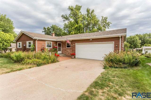 4208 S Glenview Rd, Sioux Falls, SD 57103 (MLS #22005642) :: Tyler Goff Group