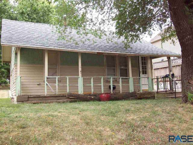 814 N Wayland Ave, Sioux Falls, SD 57103 (MLS #22005654) :: Tyler Goff Group