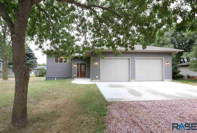 25785 Lyndale Rd, Renner, SD 57055 (MLS #22005657) :: Tyler Goff Group