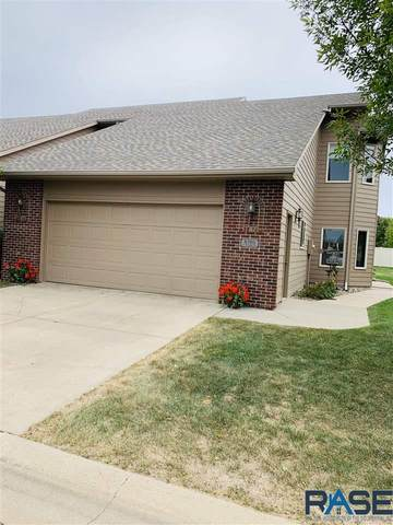 8305 S Brenda Pl, Sioux Falls, SD 57108 (MLS #22005690) :: Tyler Goff Group