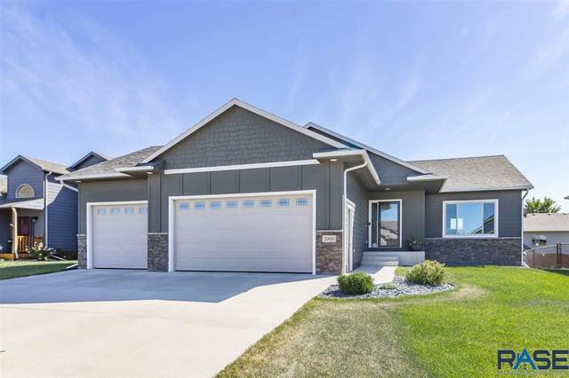 2000 S Haraldson Ave, Sioux Falls, SD 57106 (MLS #22005710) :: Tyler Goff Group