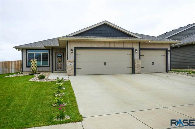 2617 S Keyrell Dr, Sioux Falls, SD 57106 (MLS #22005714) :: Tyler Goff Group