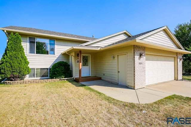 5704 S Megan Ave, Sioux Falls, SD 57106 (MLS #22005755) :: Tyler Goff Group