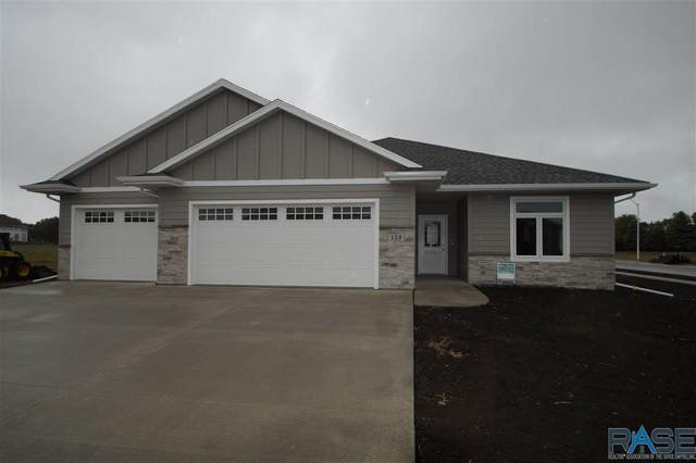 128 E Chapelwood Dr, Brandon, SD 57005 (MLS #22005795) :: Tyler Goff Group