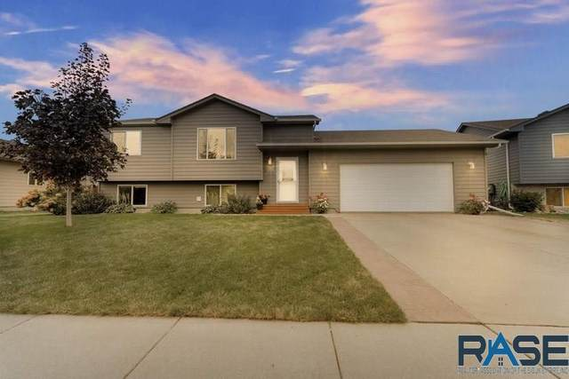 7909 W Eli Ct, Sioux Falls, SD 57106 (MLS #22005822) :: Tyler Goff Group