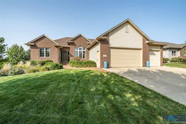 1320 W Murphy Dr, Sioux Falls, SD 57108 (MLS #22005828) :: Tyler Goff Group