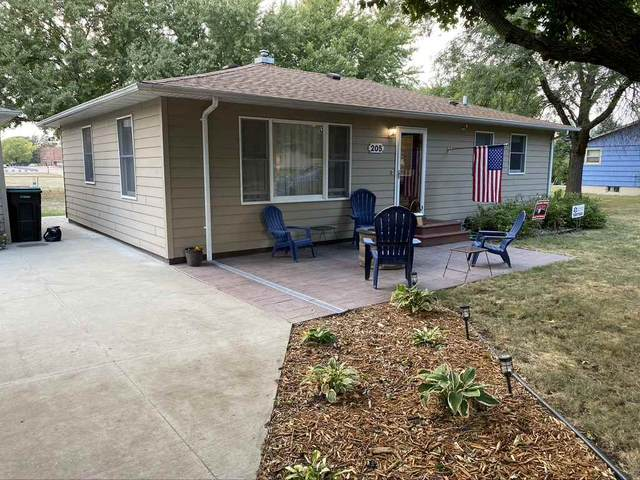205 S 4th Ave, Brandon, SD 57005 (MLS #22005921) :: Tyler Goff Group