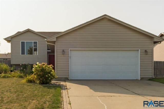 5601 S Anthony Ave, Sioux Falls, SD 57106 (MLS #22005948) :: Tyler Goff Group