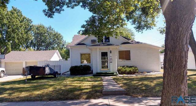 622 S Minnesota St, Mitchell, SD 57301 (MLS #22005992) :: Tyler Goff Group