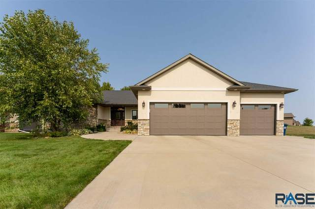 1812 S Copper Crest Cir, Sioux Falls, SD 57110 (MLS #22005999) :: Tyler Goff Group