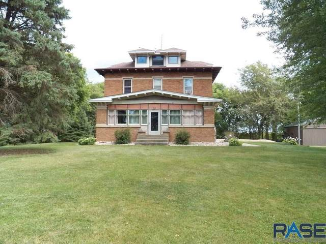 1501 S Kniss Ave, Luverne, MN 56156 (MLS #22006043) :: Tyler Goff Group