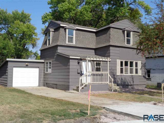 714 E 5th St, Dell Rapids, SD 57022 (MLS #22006092) :: Tyler Goff Group