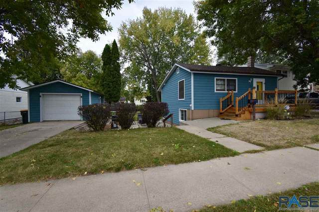 2701 S Lake Ave, Sioux Falls, SD 57105 (MLS #22006145) :: Tyler Goff Group