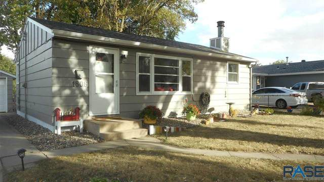 1808 N Lewis Ave, Sioux Falls, SD 57103 (MLS #22006223) :: Tyler Goff Group