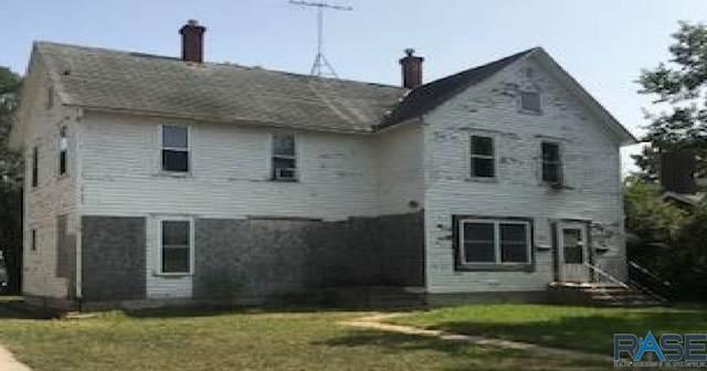 230 Nebraska Ave Sw SW, Huron, SD 57350 (MLS #22006235) :: Tyler Goff Group