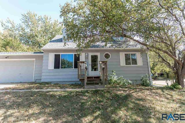 1908 S Grandview Ave, Sioux Falls, SD 57103 (MLS #22006351) :: Tyler Goff Group