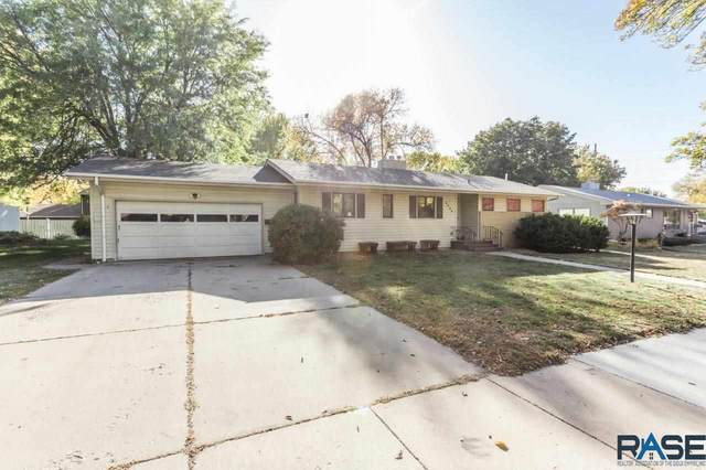 2805 W Oak St, Sioux Falls, SD 57105 (MLS #22006397) :: Tyler Goff Group