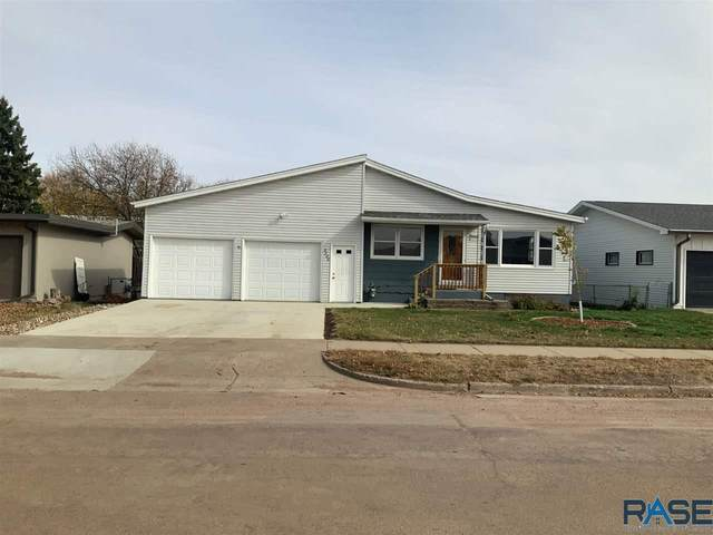 3300 S Jefferson Ave, Sioux Falls, SD 57105 (MLS #22006523) :: Tyler Goff Group