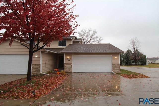 1907 S Sertoma Ave, Sioux Falls, SD 57106 (MLS #22006622) :: Tyler Goff Group