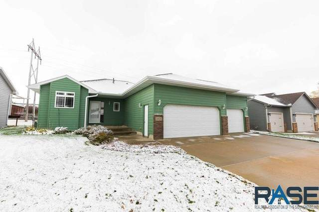 7513 W Stoney Creek St, Sioux Falls, SD 57106 (MLS #22006638) :: Tyler Goff Group