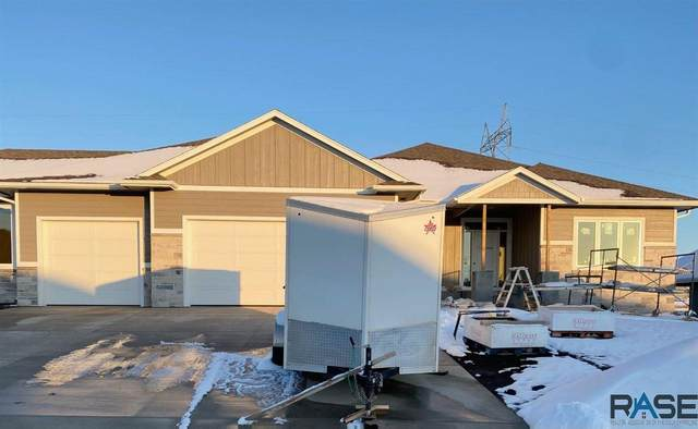 506 S Red Spruce Ave, Sioux Falls, SD 57110 (MLS #22006936) :: Tyler Goff Group