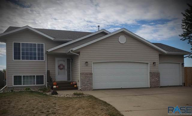 4929 S Emma Ln, Sioux Falls, SD 57106 (MLS #22007087) :: Tyler Goff Group
