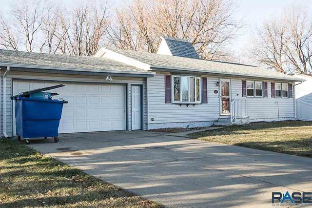 5709 W 46th St, Sioux Falls, SD 57106 (MLS #22007124) :: Tyler Goff Group