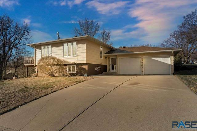 2901 S Menlo Ave, Sioux Falls, SD 57105 (MLS #22007235) :: Tyler Goff Group