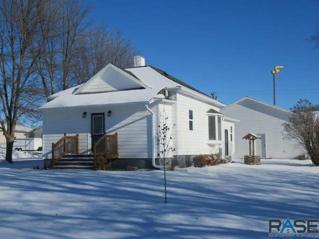 301 S Church Ave, Hills, MN 56138 (MLS #22007456) :: Tyler Goff Group