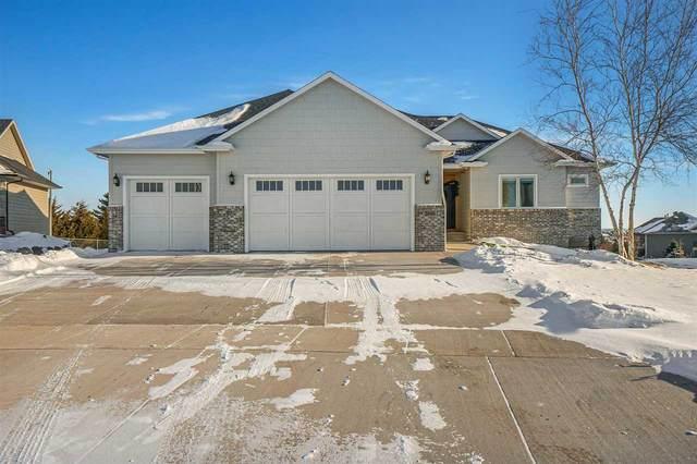 2601 Oak Hill Dr, Sioux Falls, SD 57108 (MLS #22007465) :: Tyler Goff Group