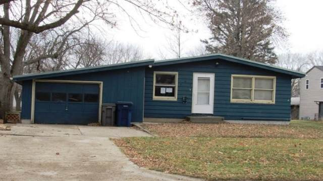 908 E 10TH St, Spencer, IA 51301 (MLS #22100020) :: Tyler Goff Group