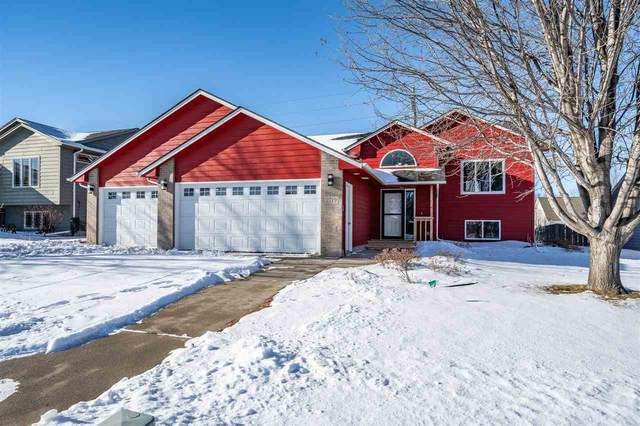 2719 S Theodore Ave, Sioux Falls, SD 57106 (MLS #22100027) :: Tyler Goff Group