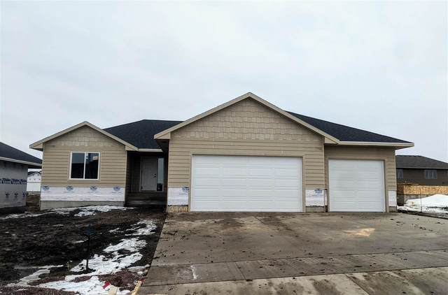 3909 S Home Plate Ave, Sioux Falls, SD 57110 (MLS #22100220) :: Tyler Goff Group