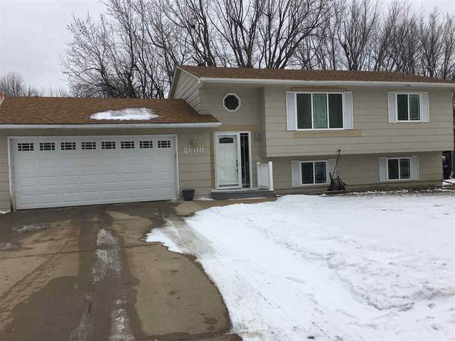 2608 S Bernhaven Ave, Sioux Falls, SD 57110 (MLS #22100231) :: Tyler Goff Group