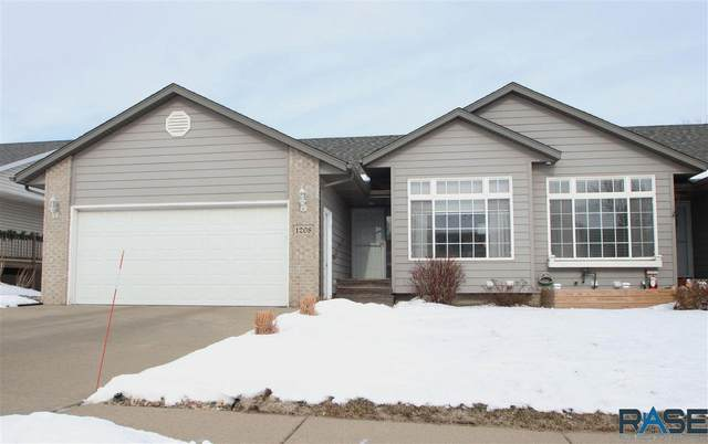 1208 E Northstar Ln, Sioux Falls, SD 57108 (MLS #22100340) :: Tyler Goff Group