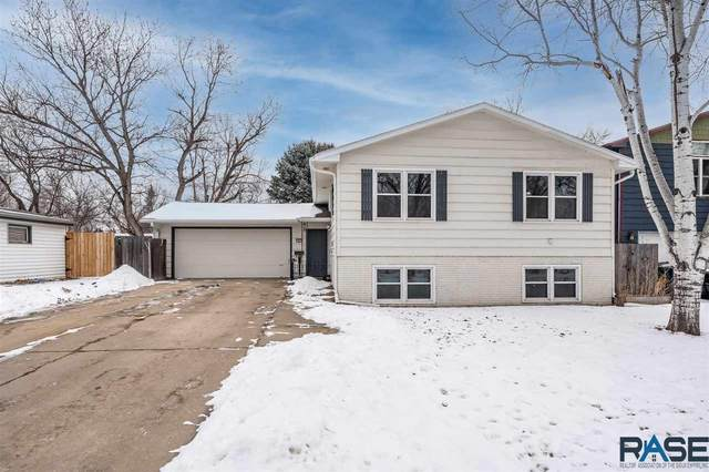 2904 S Hawthorne Ave, Sioux Falls, SD 57105 (MLS #22100373) :: Tyler Goff Group