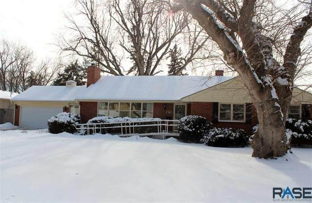 2705 W 22nd St, Sioux Falls, SD 57105 (MLS #22100499) :: Tyler Goff Group