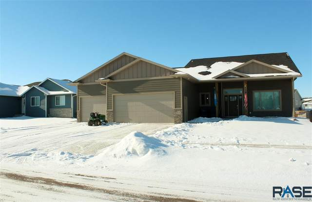 1401 Oak Creek Rd, Dell Rapids, SD 57022 (MLS #22100710) :: Tyler Goff Group
