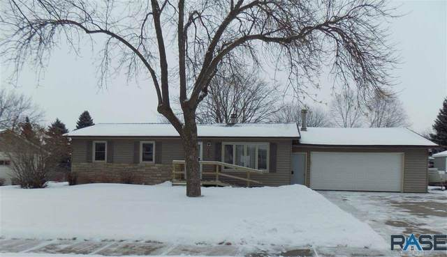 1400 S Clover Ave, Sioux Falls, SD 57110 (MLS #22100719) :: Tyler Goff Group