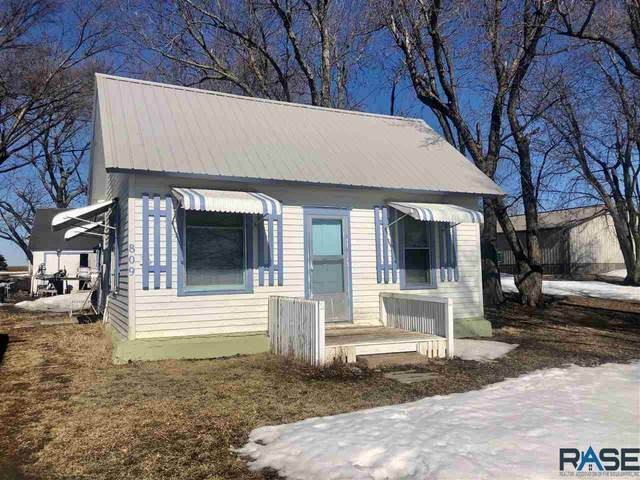 809 E 2nd Ave, Humboldt, SD 57035 (MLS #22100836) :: Tyler Goff Group