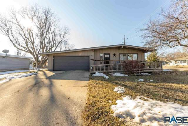 2601 S Jefferson Ave, Sioux Falls, SD 57105 (MLS #22100942) :: Tyler Goff Group