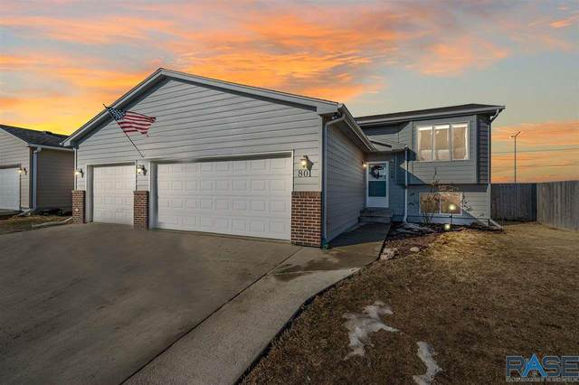 801 S Tanglewood Ave, Sioux Falls, SD 57106 (MLS #22100954) :: Tyler Goff Group