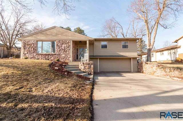1405 E Otonka Trl, Sioux Falls, SD 57103 (MLS #22101116) :: Tyler Goff Group