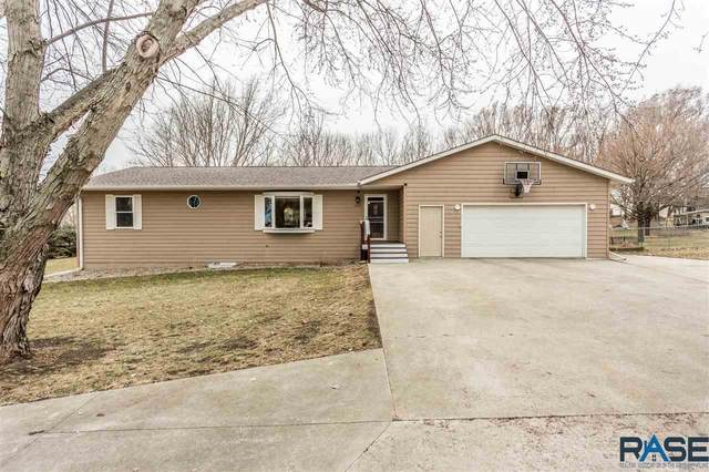 24797 Pine Cir, Dell Rapids, SD 57022 (MLS #22101348) :: Tyler Goff Group
