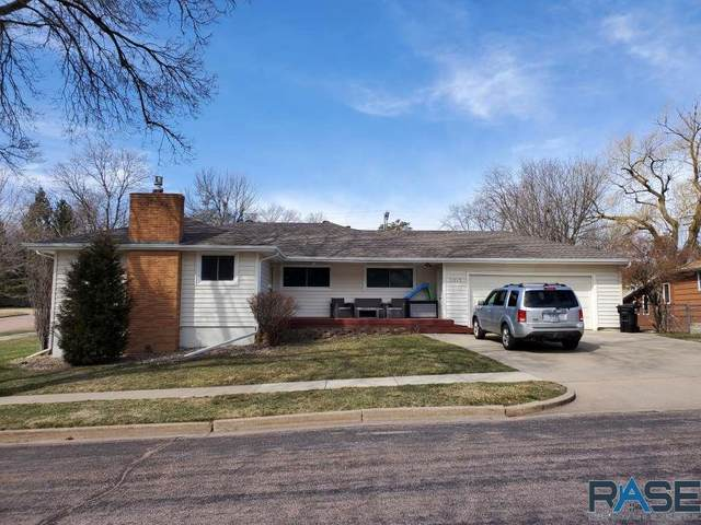 2013 S Sherman Ave, Sioux Falls, SD 57105 (MLS #22101499) :: Tyler Goff Group