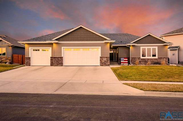 9205 W Kingfisher Cir, Sioux Falls, SD 57107 (MLS #22101543) :: Tyler Goff Group