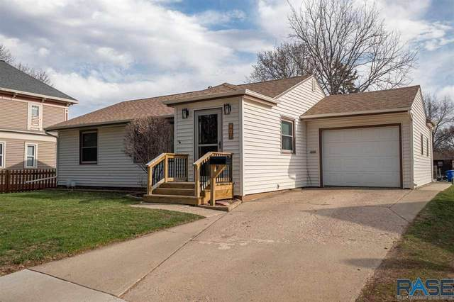 407 W Center St, Madison, SD 57042 (MLS #22101694) :: Tyler Goff Group