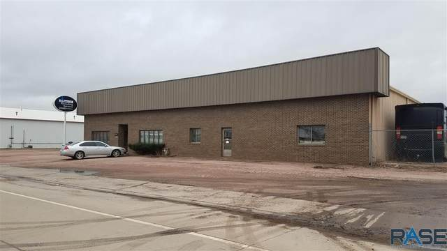 3601 W Teem Dr, Sioux Falls, SD 57107 (MLS #22101808) :: Tyler Goff Group