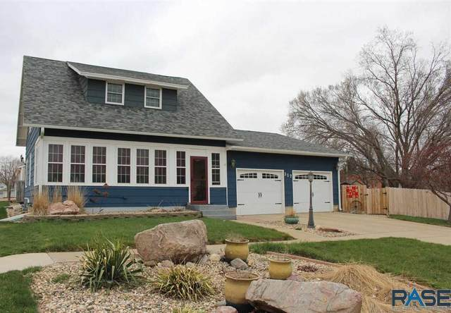 317 N Harth Ave, Madison, SD 57042 (MLS #22101831) :: Tyler Goff Group