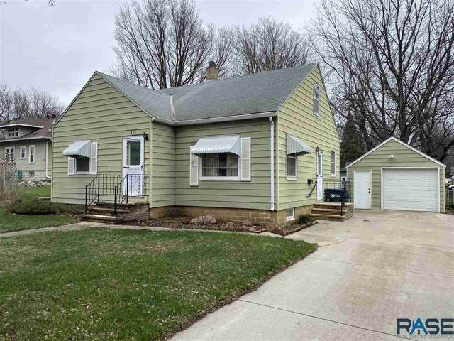 111 Donalson St, Luverne, MN 56156 (MLS #22101884) :: Tyler Goff Group
